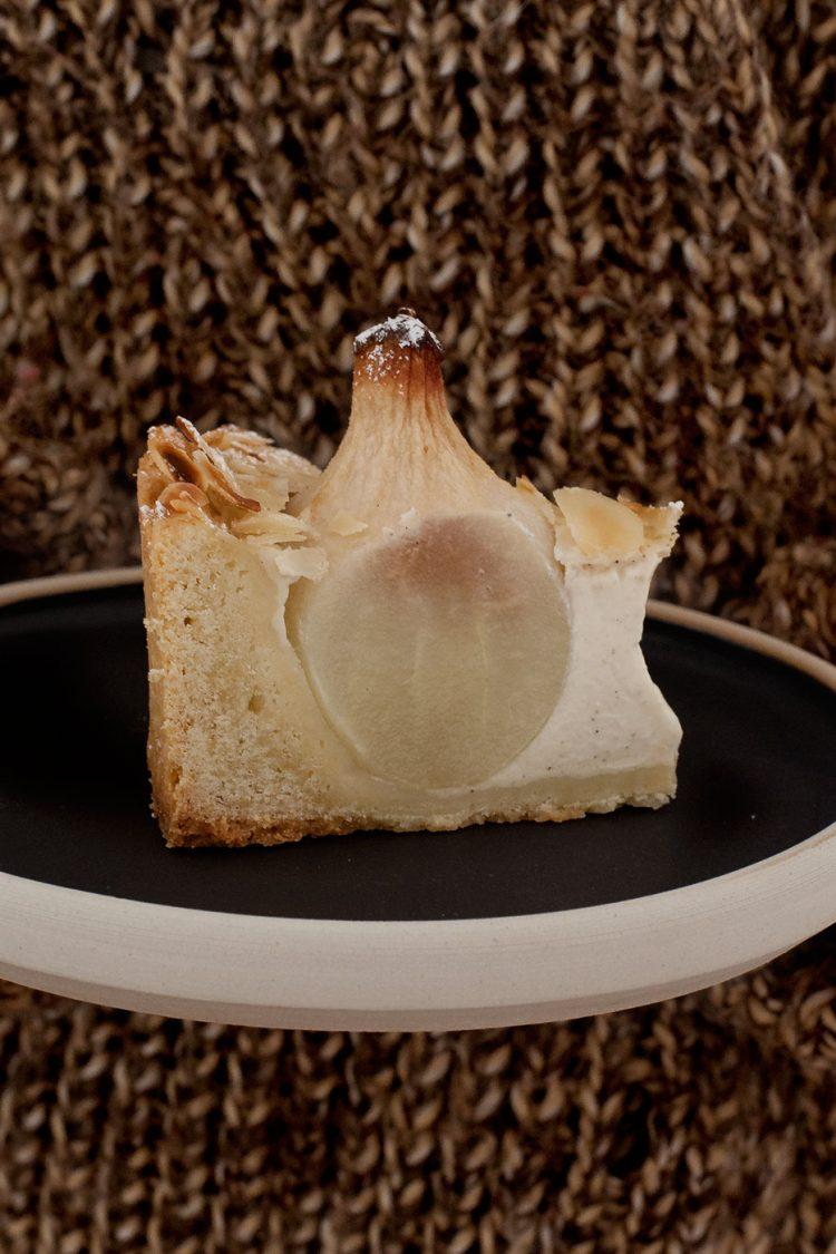 Birnen-Vanillepudding-Tarte mit Zimt und Mandeln