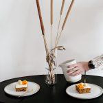 Möhren Kuchen mit Ingwer und Sauerrahm
