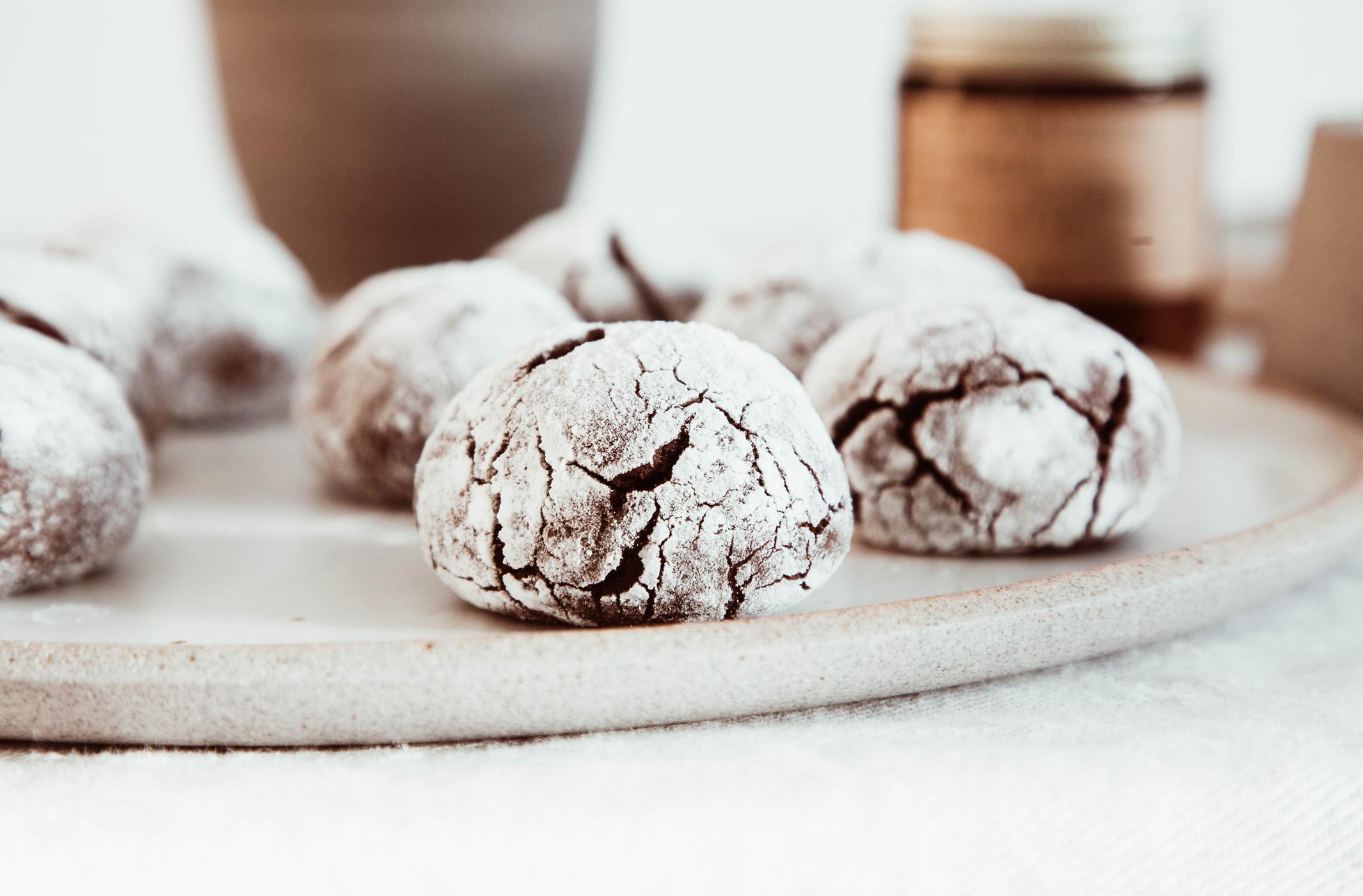 Schokoladen Crinkle Cookies